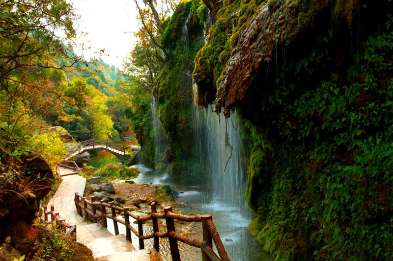 首页 走进淅川 风景名胜  ☆国家aaa级景区     坐禅谷在丹江水库西岸